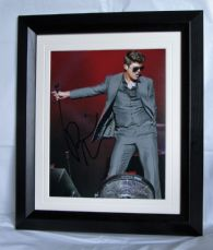 A494RT ROBIN THICKE SIGNED